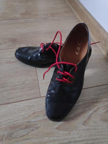 Buty wyjściowe lakierki czarne 34