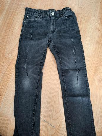 Spodnie chłopięce  dwie pary rozm. 134