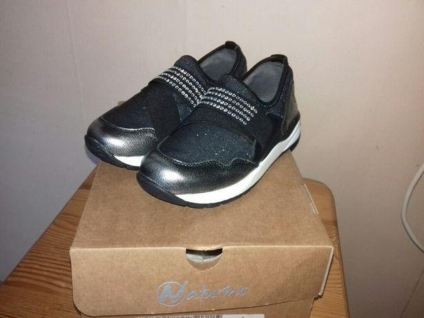 Нове взуття дитячі кросівки Naturino 27