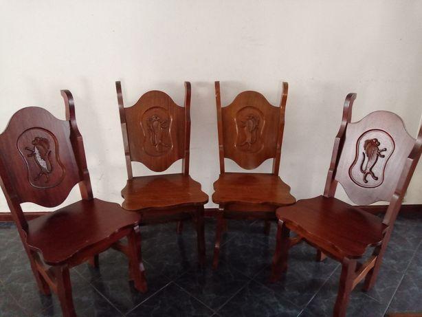 Cadeiras Leão Madeira Maciça