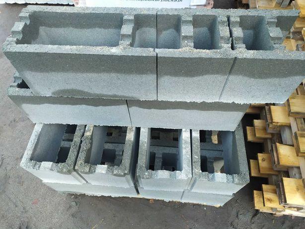 PUSTAK SZALUNKOWY FUNDAMENTOWY 25 i 30, bloczek betonowy
