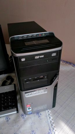 sprzedam komputer stacjonarny(kompletny; komp,monitor klawiatura.