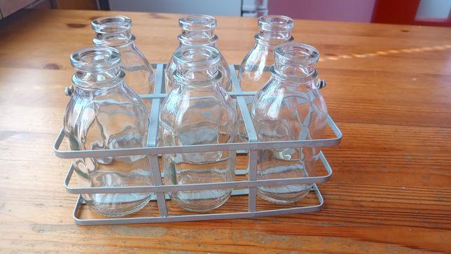 Metalowy koszyczek z buteleczkami