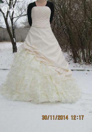 кремовое свадебное платье 48 р.