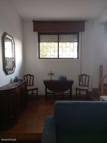 Apartamento T0 no centro de Telheiras