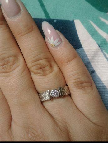 Nowy srebrny pierścionek rozmiar 14