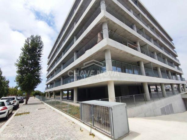 T2 Dúplex Novo c/ Garagem Box e Vistas Rio Douro em Canidelo
