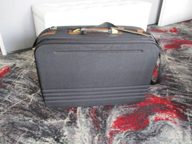 Sprzedam walizkę podróżną SAHARA