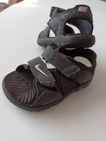 Nike sandałki rozmiar 19,5