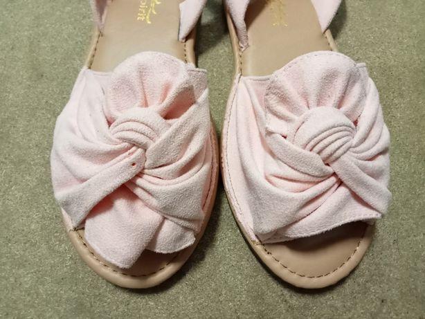 Sandálias Cor de Rosa