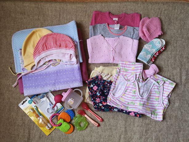 Пакет вещей (одежда, предметы ухода) для новорожденной