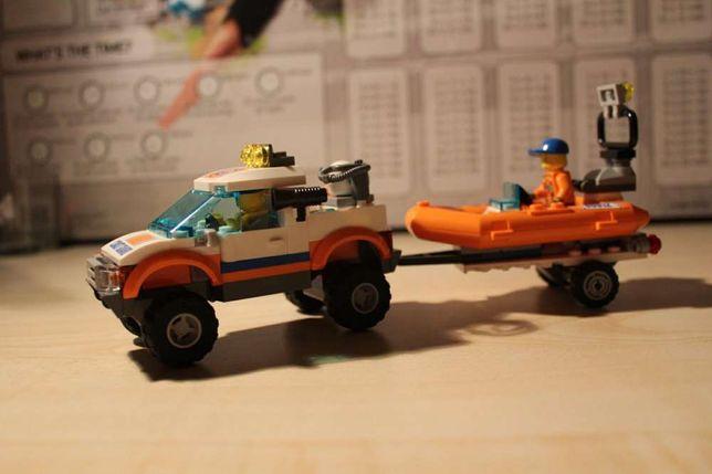 Zestaw Lego z łodzią motorową