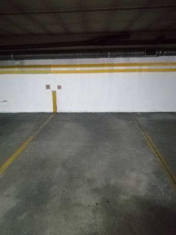 Alugam-se lugares de garagem em Vila Nova de Gaia