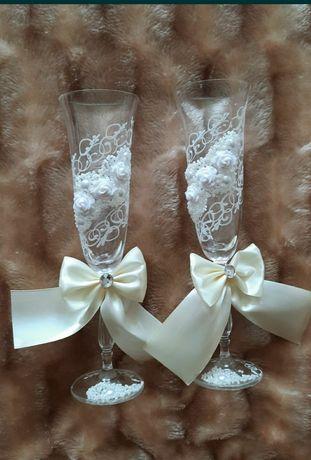 Весільні ніжні бокали