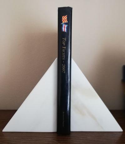 Marmurowe podpórki do książek Calacatta