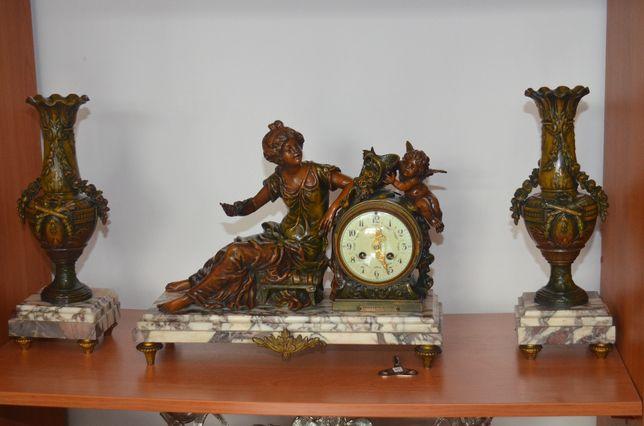 Zegar figuralny kominkowy, Moreau, antyk, cynkal i marmur, idealny