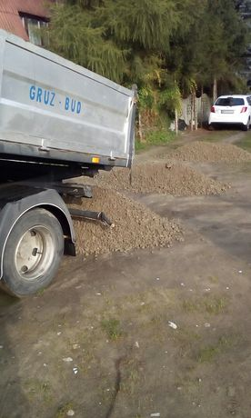 Usługi transportowe/wywrotka /piasek/ziemia/drewno