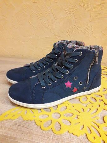 Взуття 37р