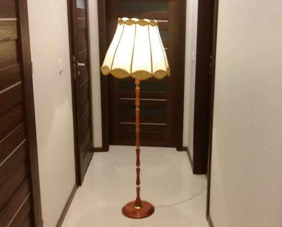 Lampka pokojowa z abażurem