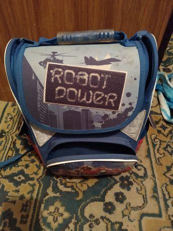 Продам хороший школьный рюкзак!