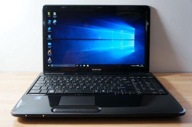 Быстрый ноутбук Toshiba \ в отличном состоянии