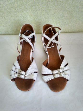 Туфли для бальных танцев 31 р-р