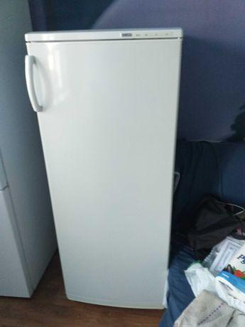 Продам морозильную камеру Atlant в отличном состоянии