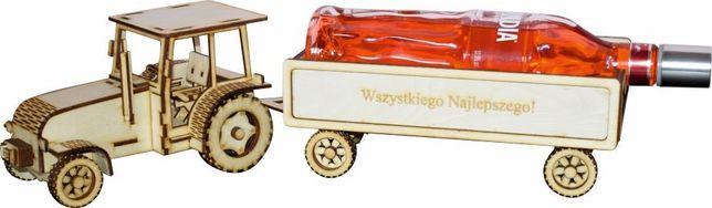Traktor ciągnik z przyczepą wódowóz prezent ślub jubileusz grawer