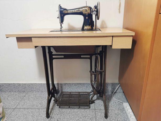 Maquina de costura Singer de 1922
