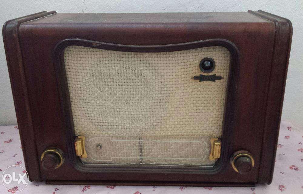 Rádio antigo Santa Cruz/trindade E Sanjurge - imagem 1