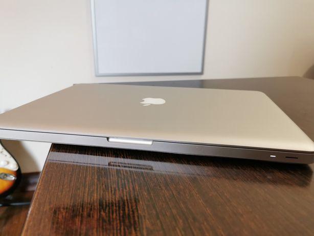 """MacBook Pro 15""""  i7, 250gb SSD, 6gb RAM"""