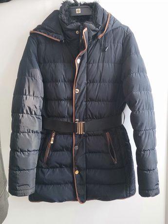 Granatowa kurtka na zimę