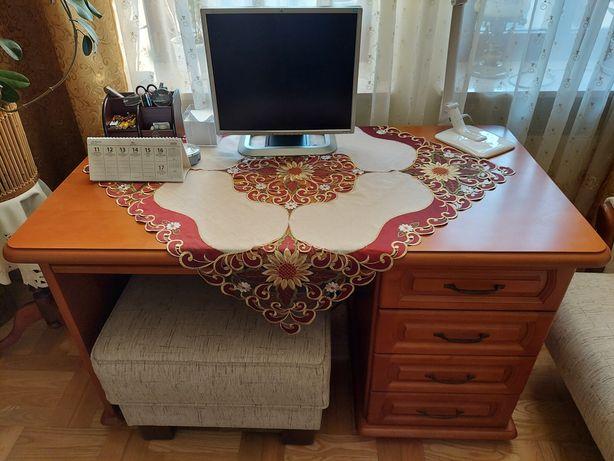 Sprzedam drewniane biurko