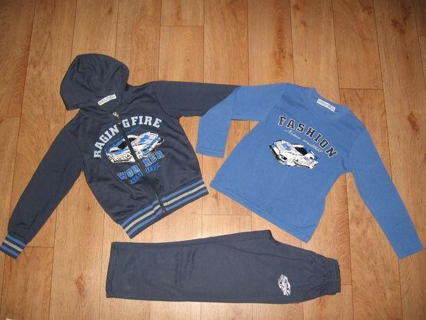 Спортивный бу костюм-тройка для мальчиков, 104-110 см