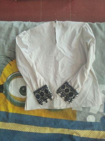 Продам блузку школьную на девочку