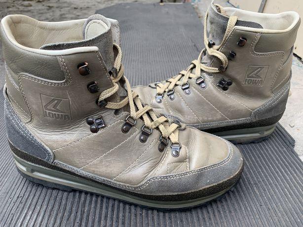 Продам ботинки Lowa Ranger