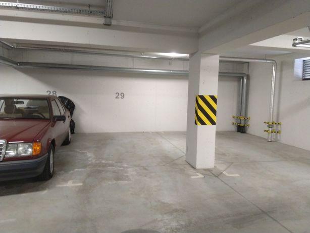 Wynajmę miejsce postojowe w garażu podziemnym Bielsko