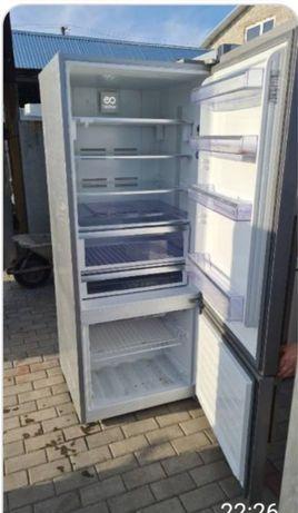 Холодильник з морозилкою  Samsung бу з Європи гарантія доставка