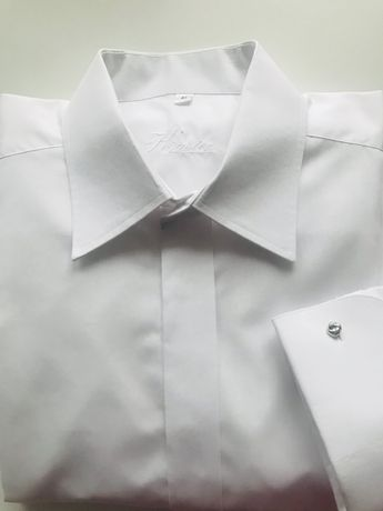 Elegancka biała koszula na spinki z krawatem gratis
