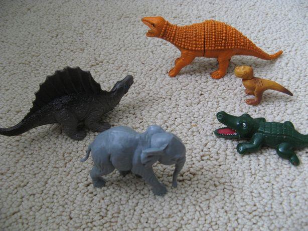 Игрушечные животные динозавр слон крокодил