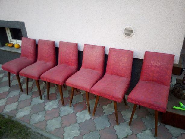 Krzesła bordowe 6 sztuk.