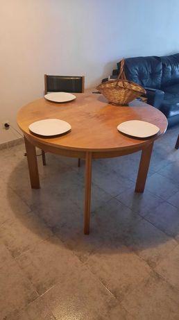 Mesa redonda de Pinho