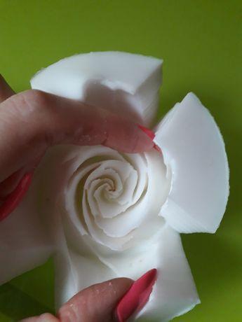 Форма роза из пищевого силикона