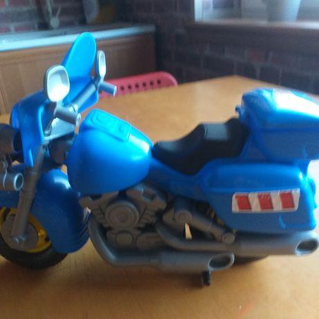Duży niebieski motor