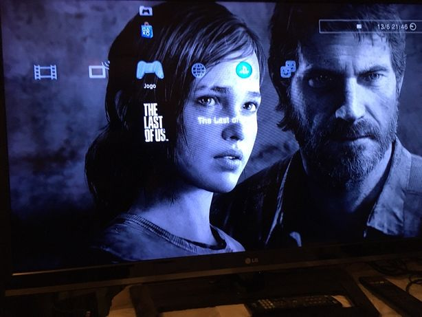 PS3 500GB + 1-comandos+ 1 Jogo
