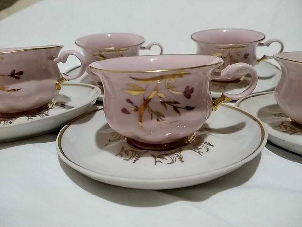 Коростень. пять кофейных чашек с блюдцами.