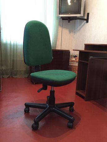 Компьютерное кресло AMF
