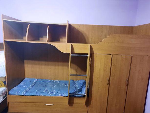 Кровать двух этажная в хорошем состоянии