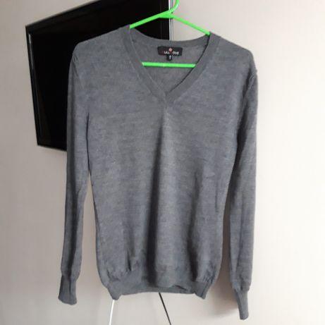 Вовняний м'якенький теплий светр