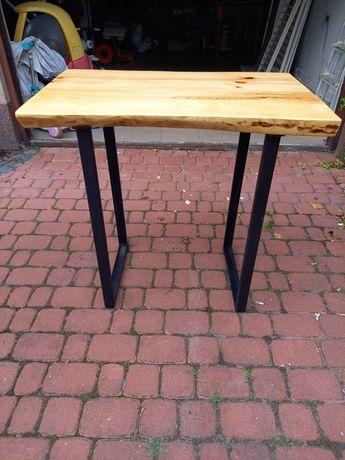 Stolik drewniany - zalany żywicą